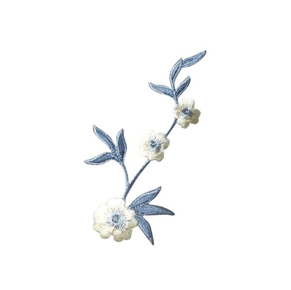 Cream/Blue Flower